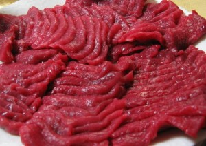 Horse meat By Richard W.M. Jones [GFDL (http://www.gnu.org/copyleft/fdl.html) or CC-BY-SA-3.0 (http://creativecommons.org/licenses/by-sa/3.0/)], via Wikimedia Commons