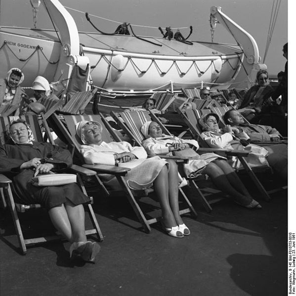 Wakey wakey! Bundesarchiv, B 145 Bild-F010753-0010 / Wegmann, Ludwig / CC-BY-SA [CC-BY-SA-3.0-de (http://creativecommons.org/licenses/by-sa/3.0/de/deed.en)], via Wikimedia Commons